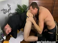 Gay guys Jason&#039_s hard man meat and flapping nutsack are swiftly out