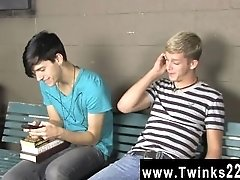 Young boy gay porn vid Kayden Daniels and Jae Landen have a giant