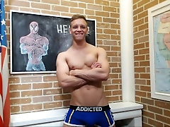 Cute muscle guy on cam