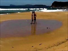 Garotos fodendo na praia