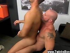 Gay XXX The fellow share their oral skills with Casey asslicking that